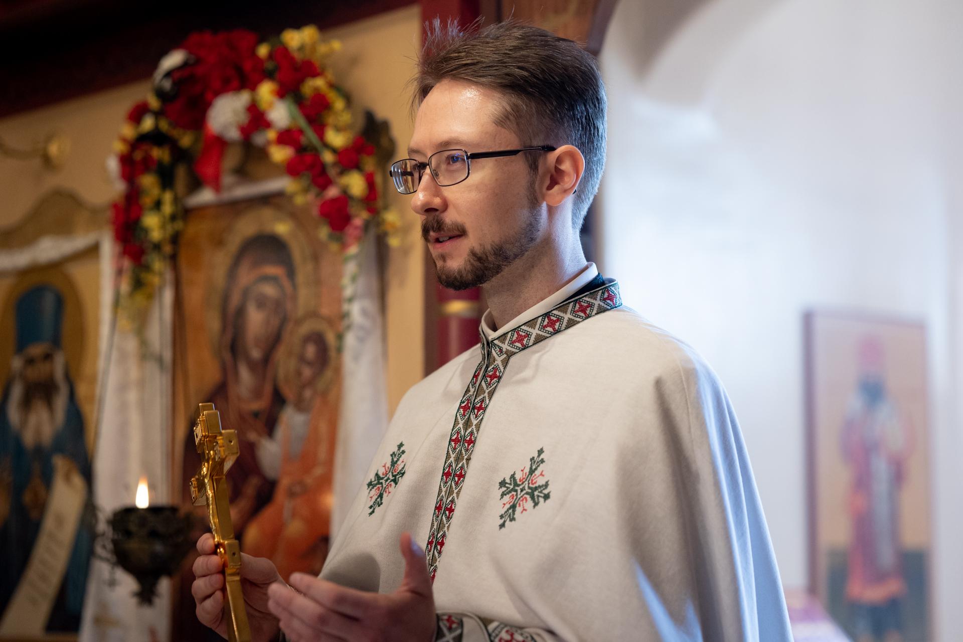 Fr John Suvak preaching in church